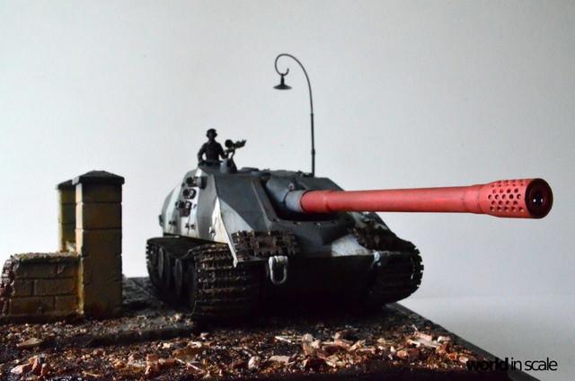 Jagdpanzer E-100 - 1/35 of Trumpeter 28947199_1016206421880206_6314641213377318333_o