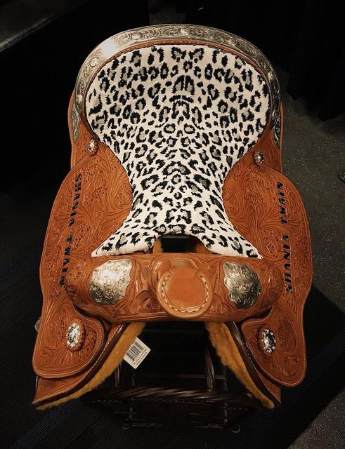 shania nowtour brooklyn071418 saddle2