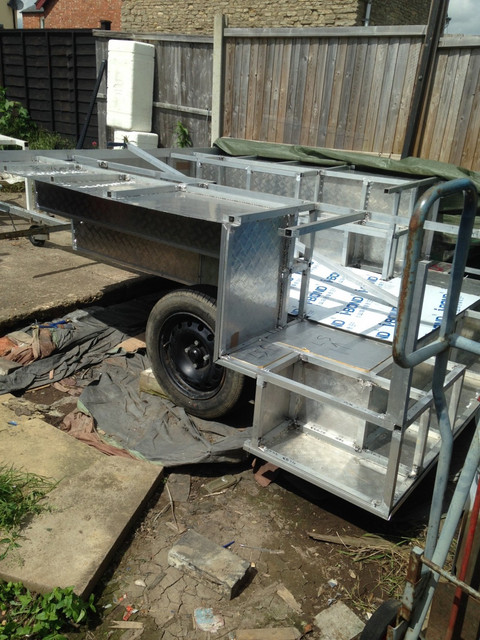 Trailer come in handy