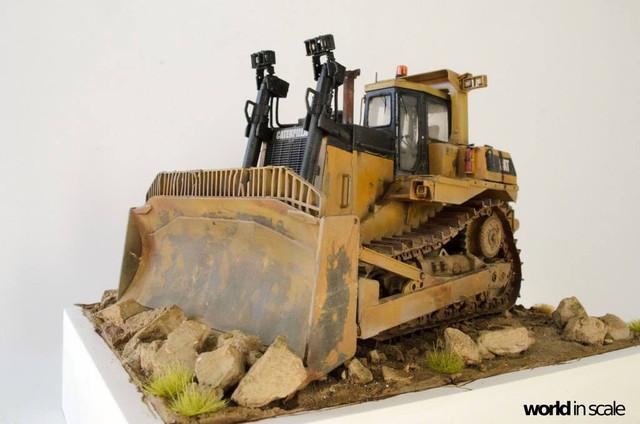 "Caterpillar D9 ""Bulldozer"" - 1:35, based on Meng Models 26170840_964750190359163_8028072250307570492_o"