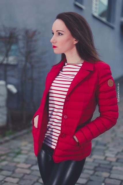 Modebloggerin Frankfurt JOTT Jacke in rot Lederhose von Wolford Stiefel von Buffalo OOTD 7
