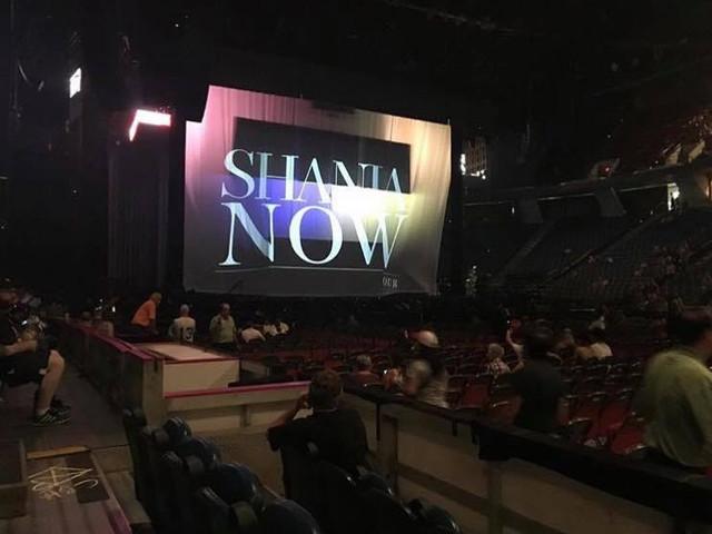 shania nowtour hamilton063018 2