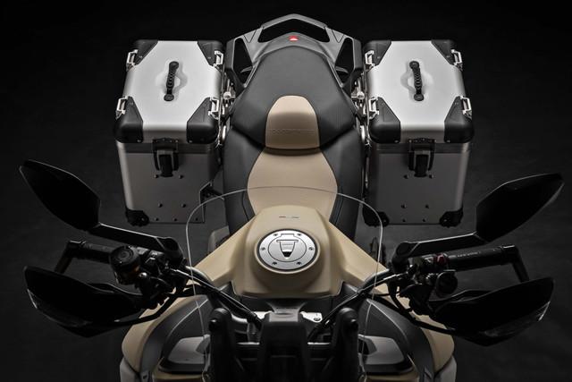 2019-Ducati-Multistrada-1260-Enduro-43