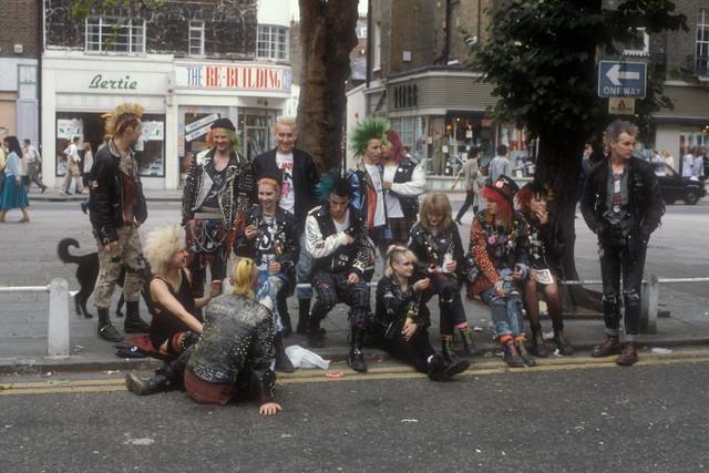 punk-gang-on-the-kings-road-london-1983