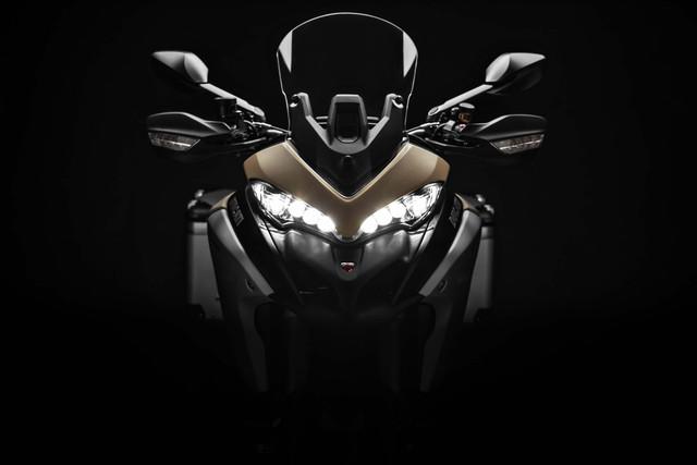 2019-Ducati-Multistrada-1260-Enduro-34