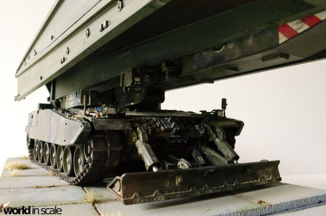 Panzerschnellbrücke LEGUAN - 1:35 v. Y-Modelle 32503762_1044704422363739_5509853582276427776_o