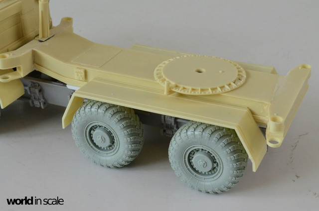 MAZ-543 + KS-6571 - 1/35 by Trumpeter, Panzershop  488007_10211_95