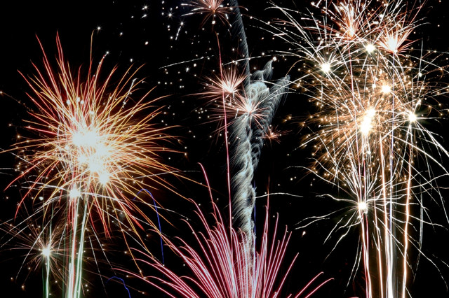 firework_i_Stock_000000901756_Small