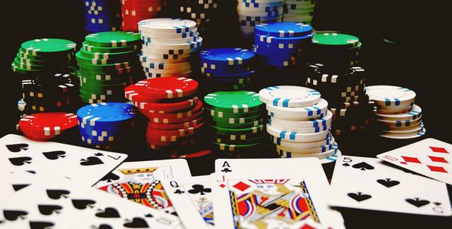 Покерная комбинация , виды флеша