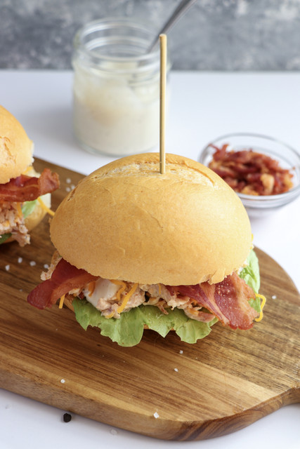 how to make chicken sliders with bacon and ranch