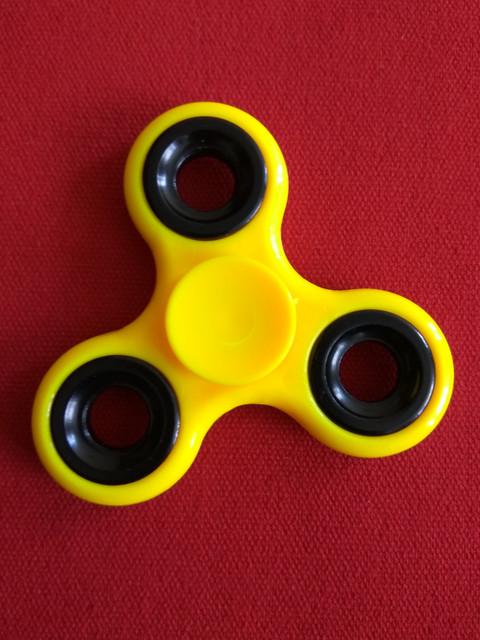 Fidget_spinner.jpg