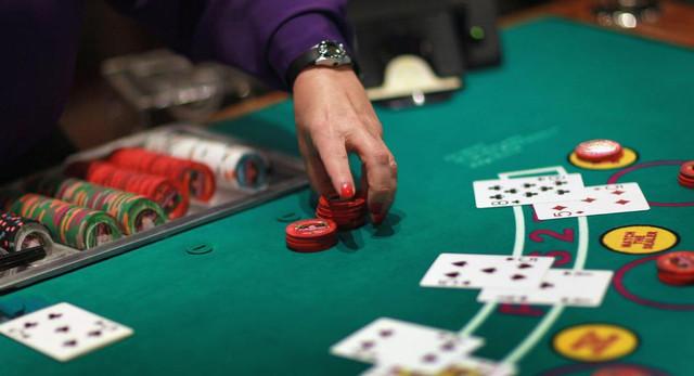 Игра на Pokerdom: возможности и гарантии