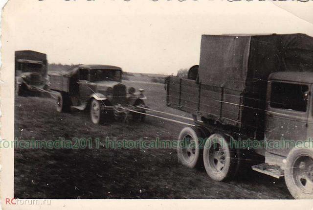 [Pilt: GAZ_AAA_GAZ_AA_and_Zis_5_trucks_WWII_Photo.jpg]