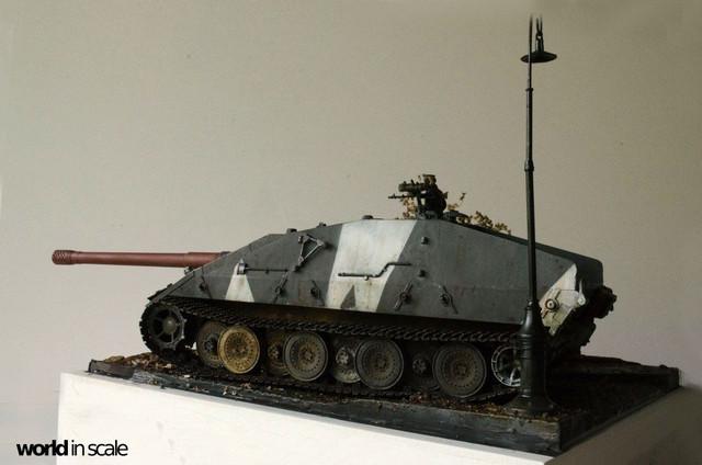 E-100 Jagdpanzer - 1/35 v. Trumpeter 32162163_1042675772566604_8755893206354231296_o