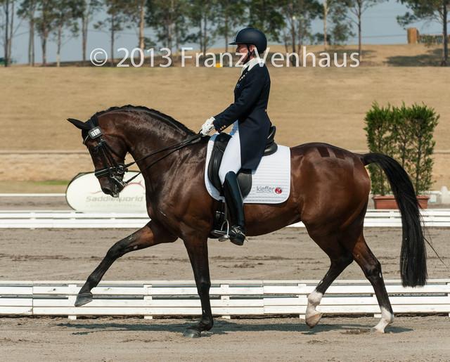 Grand-Prix-CDI-W-at-the-2013-Australian-Dressage-Championships-on-25-10-2013-at-Sydney-International
