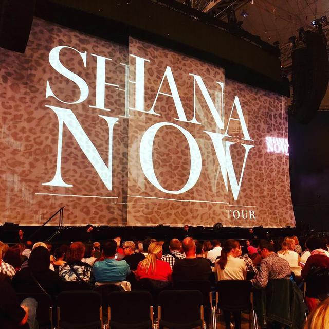 shania nowtour munich100518 1