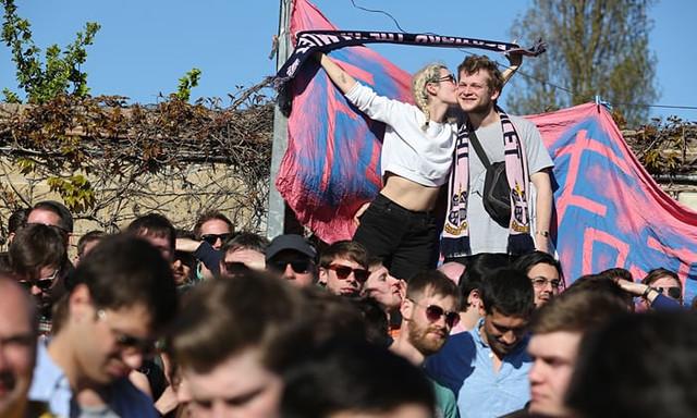 Dulwich Hamlet FC fans wi 009
