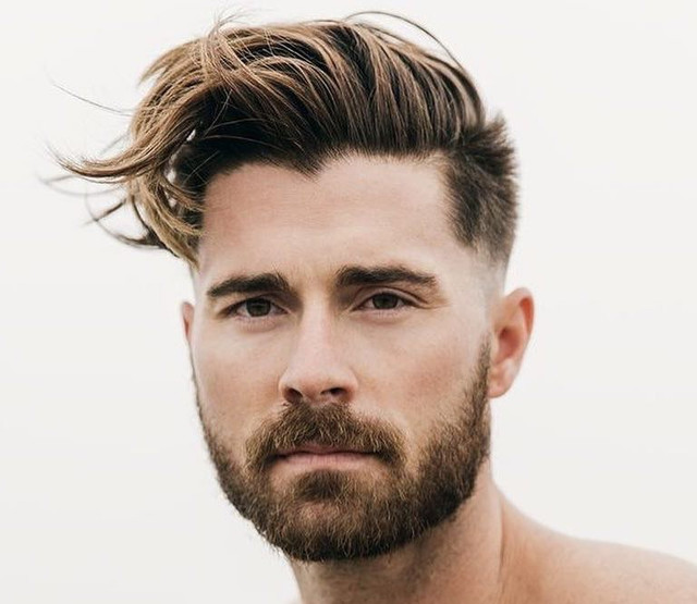 tagli di capelli per uomo sfumati ciuffo