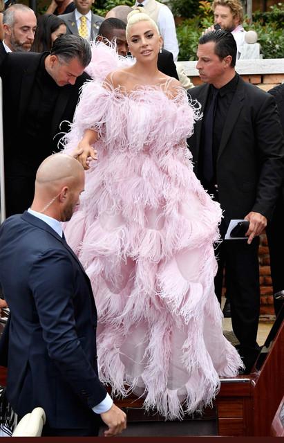 8 - Lady Gaga - Σελίδα 13 2_CE4_CBDF_5_C44_4_AA6_A331_F1_C0_EDE95_EAD