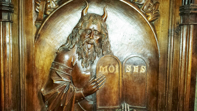 Moses with horns 092