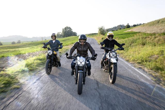 Ducati_Scrambler_ambience_02_UC67961_High