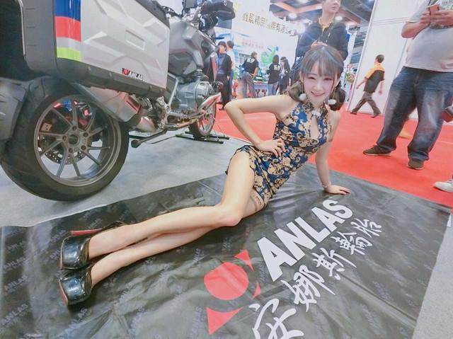 美腿展場模特兒Shacy機機性感外拍可愛比基尼