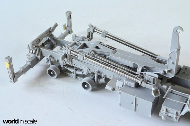 Terminal High Altitude Area Defence (THAAD) - 1/35 by Trumpeter 488026_10211_46