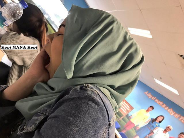 http://preview.ibb.co/moBK5v/photo_cewek_berjilbab_ngantuk_berat.jpg