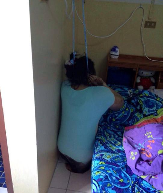 Gadis sintal pekerja Spa dan pijat gantung diri. Pup di celana
