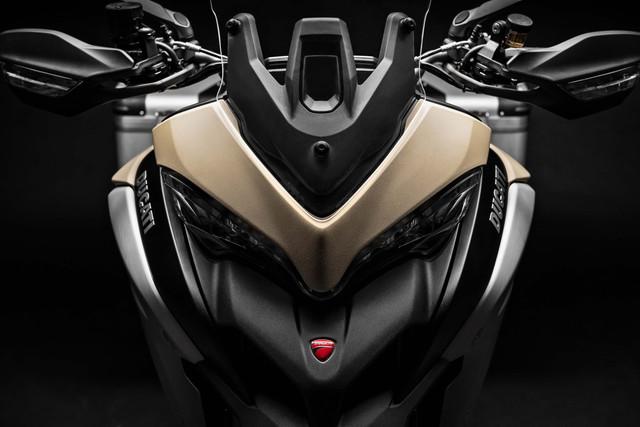 2019-Ducati-Multistrada-1260-Enduro-42
