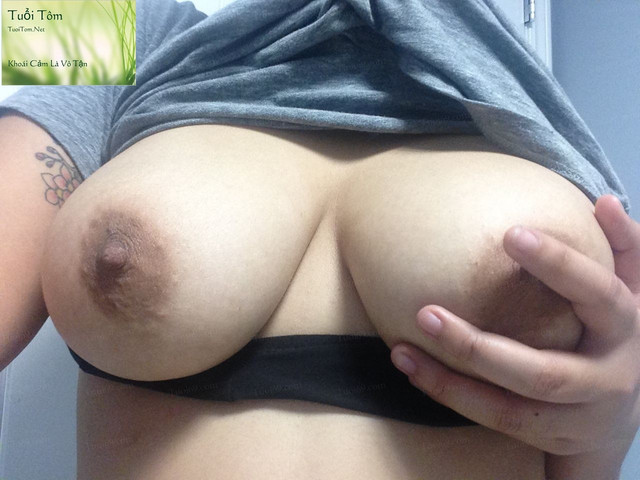 Vietnamese Canada Nguyen Laura Shows Pink Pussy 72