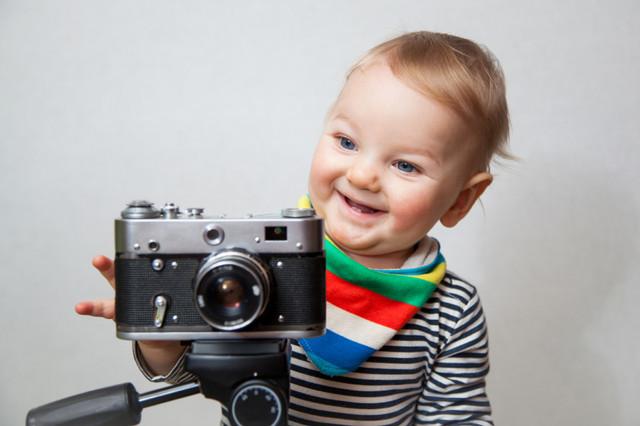 baby_camera_i_Stock_000084454543_Small