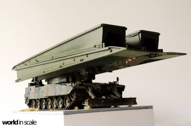 Panzerschnellbrücke LEGUAN - 1:35 v. Y-Modelle 32507946_1044704322363749_2515133084760801280_o