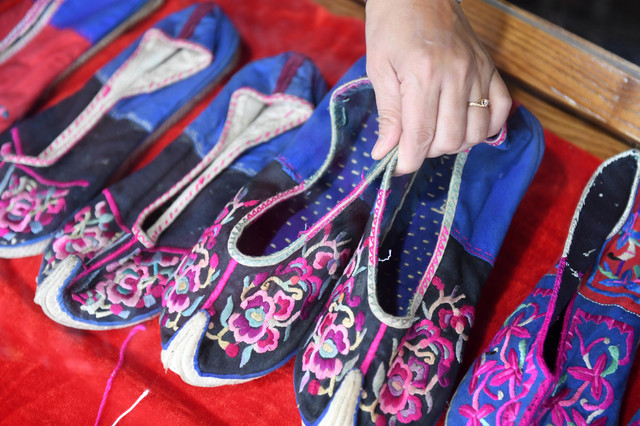 171205 HEZHOU Dec 5 2017 Xinhua Embroidered shoes of the Yao ethnic group are seen in the Babu Distr