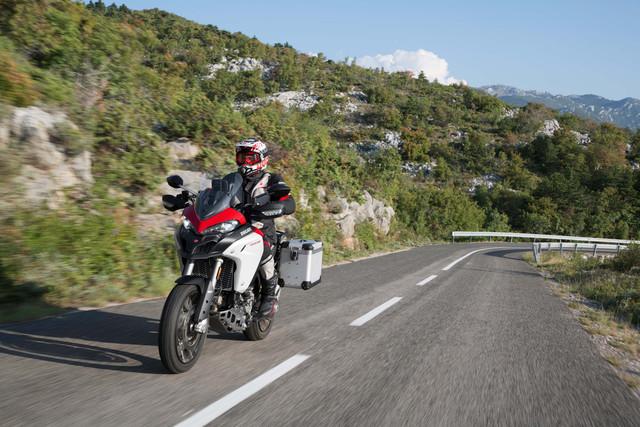 2019-Ducati-Multistrada-1260-Enduro-48