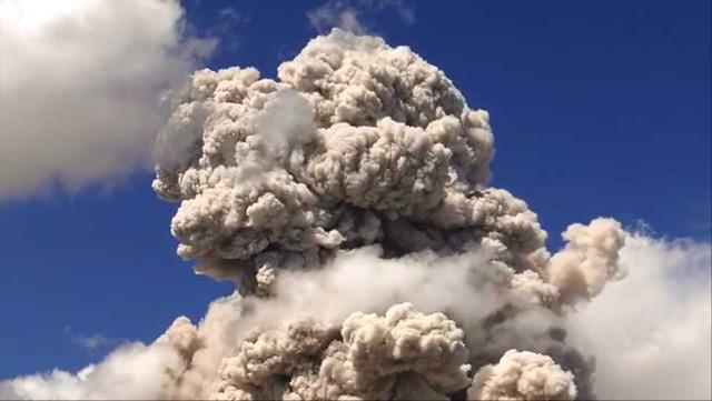 Sinabung pyroclastic flows 000131200